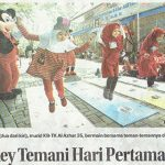 Mickey Temani Hari Pertama Sekolah TKIA 35 Surabaya | Jawa Pos 9 Juli 2019 hal 19